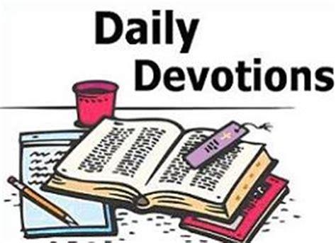 Daily mail book reviews may 2017